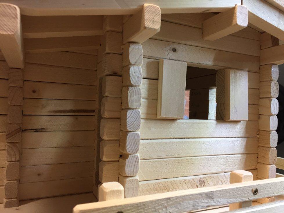 kleines blockhaus holzhaus vogelhaus mit zaun selber bauen. Black Bedroom Furniture Sets. Home Design Ideas
