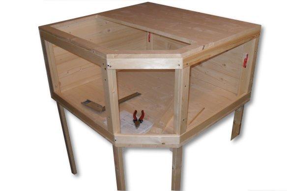 kaninchenstall zum selber bauen passt in die ecke. Black Bedroom Furniture Sets. Home Design Ideas