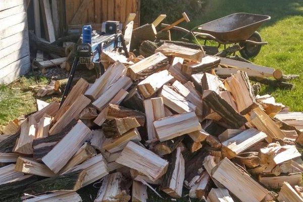 holzspalter-brennholz-1