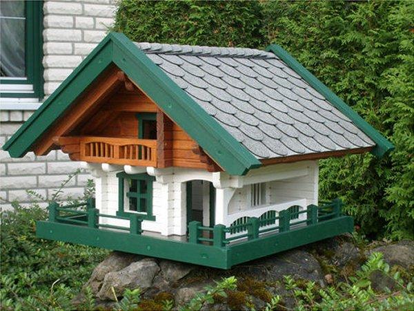 vogelhaus vogelfutterhaus oder vogelvilla. Black Bedroom Furniture Sets. Home Design Ideas